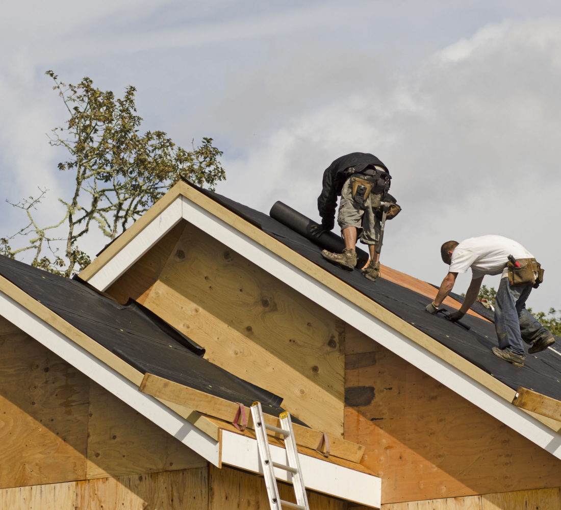 Dependable Roofing Crew